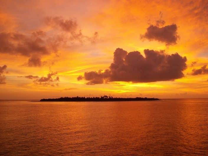 sunset en croisière plongée avec OK Maldives