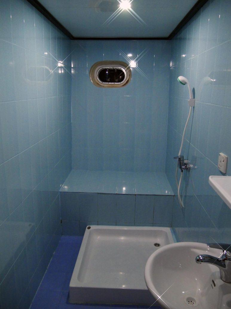 Salle de bain en croisière plongée avec OK Maldives