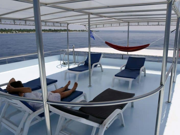 Le sundeck OK Maldives, zone de repos en croisière plongée avec OK Maldives
