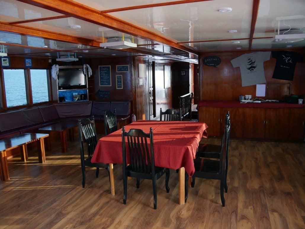 Le salon agréable et tout confort en croisière plongée avec OK Maldives