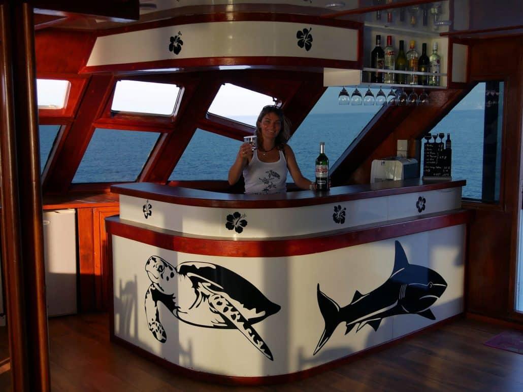 ambiance cool au bar en croisière plongée avec OK Maldives