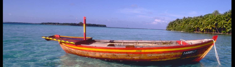 Un bateau de bois traditionnel pris par OK Maldives